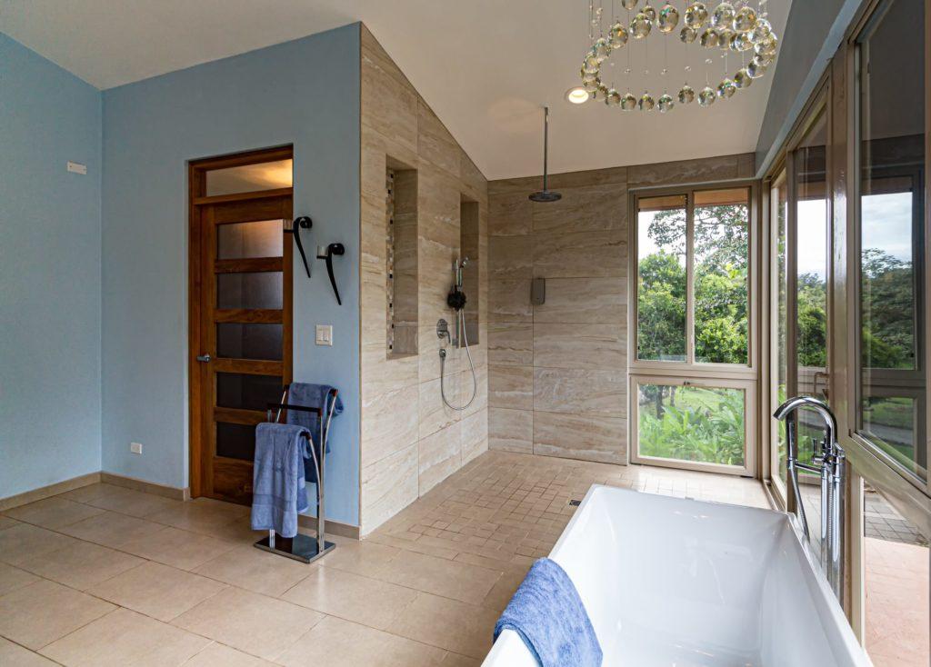 Bathroom Longueuil